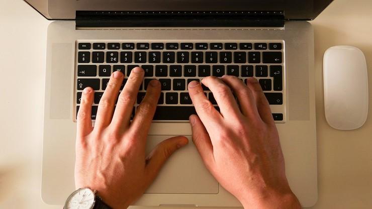 Marczuk: ćwierć miliona wniosków o 500+ złożono online. 95 proc. przez banki