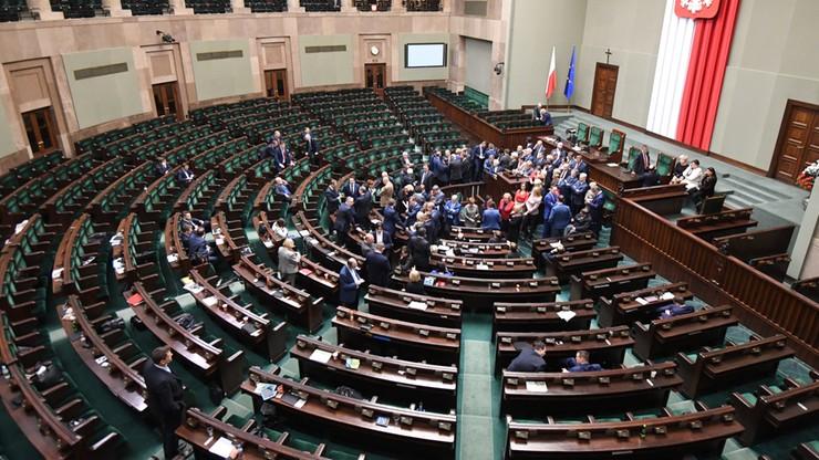 Posiedzenie Sejmu otwarte i przerwane. Wznowienie obrad w czwartek o 10