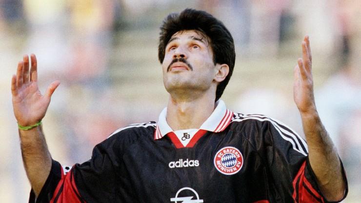 Były piłkarz Bayernu trenuje swoich zawodników jadąc na koniu!