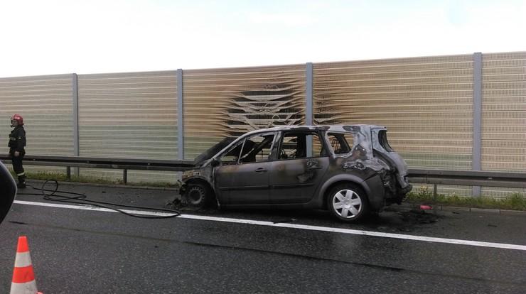 Pożar samochodu i zderzenie dwóch aut na autostradzie A4. Wypadki w Małopolsce