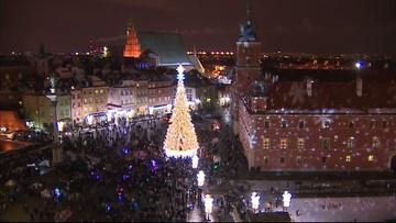 2016-12-03 4,5 mln świateł i nowa choinka na pl. Zamkowym. Jest świąteczna iluminacja w Warszawie