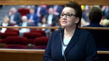 """""""Niech pani nie topi polskiej szkoły"""". Apel rodziców do minister edukacji"""