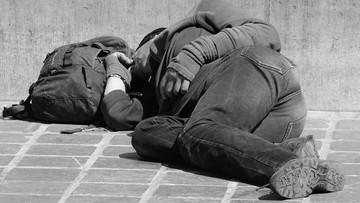 14-10-2016 14:54 Nadchodzą mrozy. Rafalska apeluje o szczególną wrażliwość m.in. na los bezdomnych