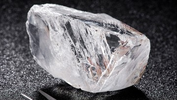 09-05-2016 19:09 Rekordowa cena za nieobrobiony diament