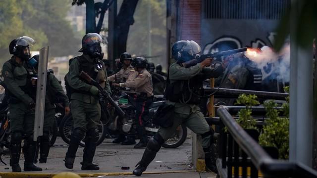 Wenezuela - już trzech zabitych podczas demonstracji przeciwko Maduro