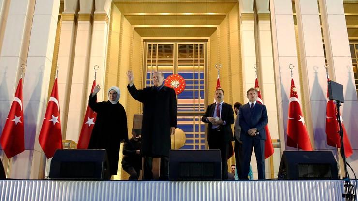 KE wzywa Turcję do wyjaśnienia domniemanych nieprawidłowości w referendum