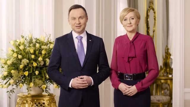 Para prezydencka złożyła Polakom życzenia