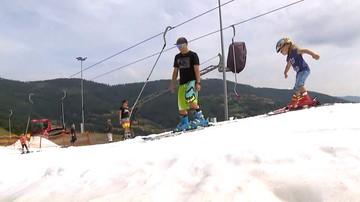 23-07-2017 19:01 W Szczyrku ruszył wyciąg z prawdziwym śniegiem. Codziennie wychodzi komunikat narciarski