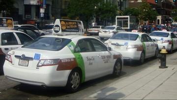03-07-2017 20:21 Taksówka wjechała w grupę osób w Bostonie. Co najmniej dziesięciu rannych