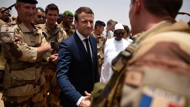 Mali: pierwsza wizyta Macrona poza Europą