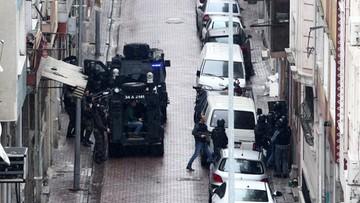 03-03-2016 10:38 Kobiety zaatakowały posterunek policji w Stambule