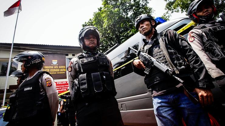 Zamachowiec powiązany z IS zdetonował bombę w Indonezji