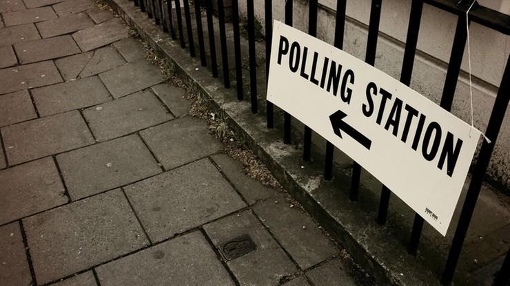 Zawieszenie prawa głosu za groźby w sieci - propozycja Komisji Wyborczej w Wielkiej Brytanii