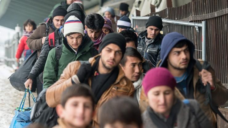 MSWiA: uchodźcy powinni trafić do Polski w 2017 roku