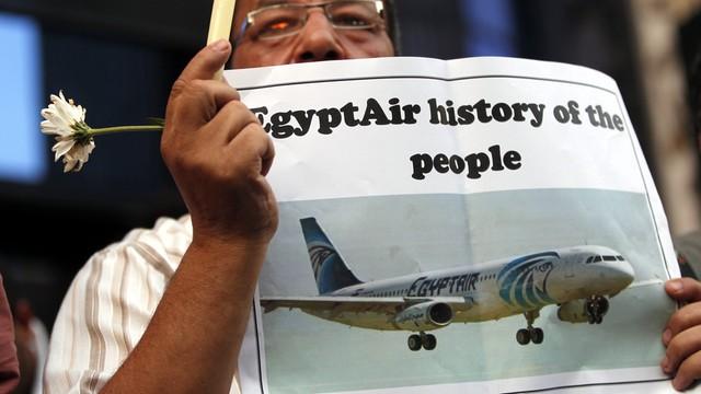 Firma z Francji ma szukać czarnych skrzynek samolotu EgyptAir
