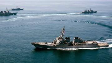 27-10-2015 14:31 Chińczycy nakryli w pobliżu swoich sztucznych wysp amerykański niszczyciel rakietowy