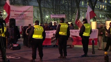 Manifestacje przed siedzibą TK
