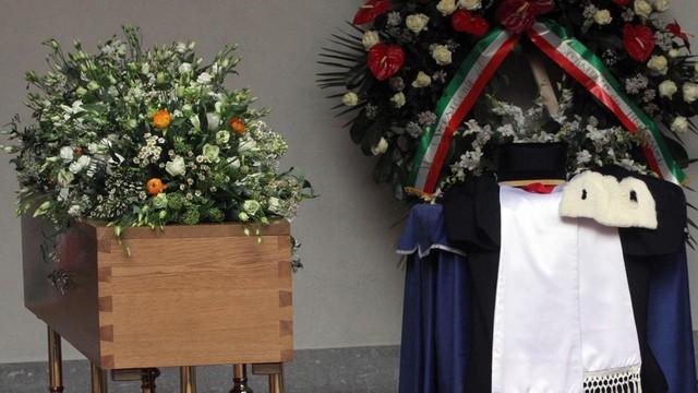 Włochy: W Mediolanie pożegnano Umberto Eco