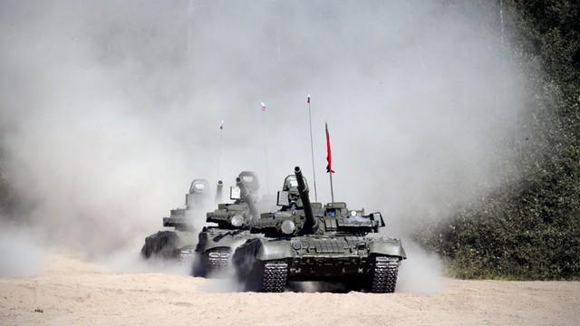 Syria: Rosyjskie czołgi na lotnisku w Latakii, bastionie reżimu