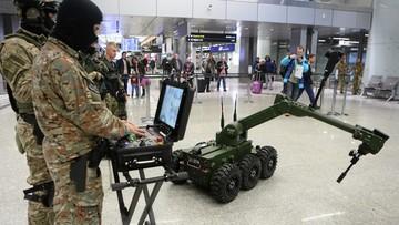 12-12-2017 15:56 Automatyczny antyterrorysta. Robot IBIS pomoże na lotnisku w Balicach