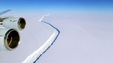 12-07-2017 13:30 Góra lodowa o powierzchni czterech Londynów oderwała się od Antarktydy i odpływa na północ
