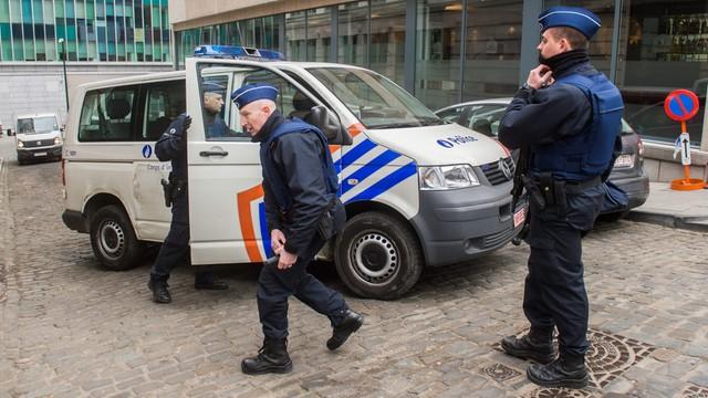 Salah Abdeslam, mózg zamachów w Paryżu, współpracuje z policją