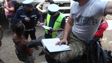 18-08-2017 11:22 Policja weszła do obozu aktywistów w Puszczy Białowieskiej. Szukała narkotyków