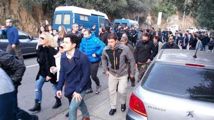 Korsyka: mimo zakazu Francuzi wyszli na ulice