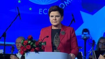 05-09-2017 22:57 Premier Szydło uhonorowana nagrodą Człowieka Roku Forum Ekonomicznego w Krynicy