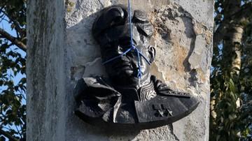 04-03-2016 14:58 Zatrzymany za demontaż pomnika sowieckiego generała otrzymał odszkodowanie
