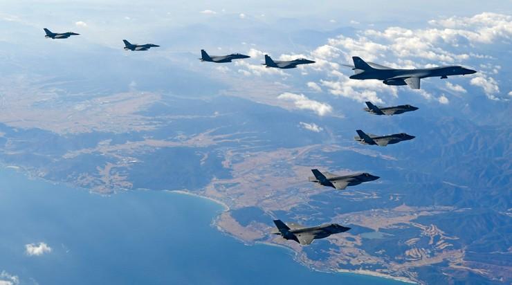 """MSZ Korei Północnej: pozostaje pytanie """"kiedy wybuchnie wojna?"""""""