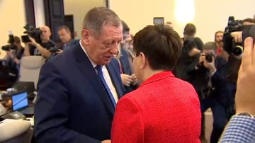 """05-12-2017 22:13 """"Może mnie nie odwołają do czwartku"""". Szydło do Szyszki przed posiedzeniem rządu"""