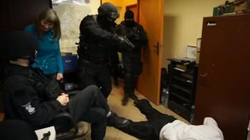 Ubrali policyjne mundury. Spełnione marzenia niepełnosprawnych 21-latków