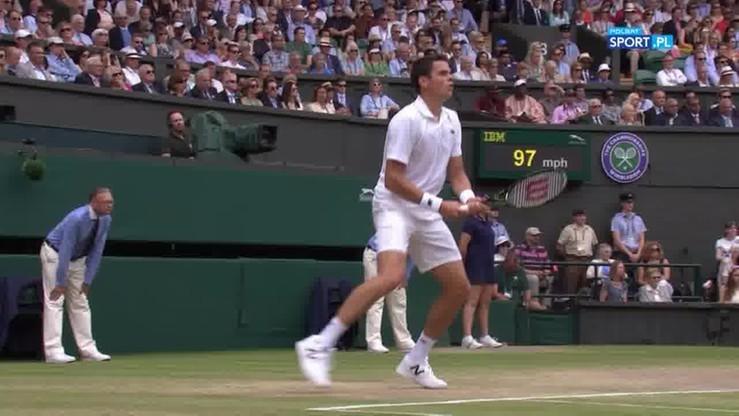 Wimbledon: Raonic... minął się z piłką. Magiczna rotacja Federera? (WIDEO)