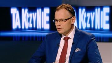 """19-10-2016 23:05 """"Psy szczekają, karawana jedzie dalej"""". Mularczyk w """"Tak czy Nie"""" o zarzutach wobec budżetu"""