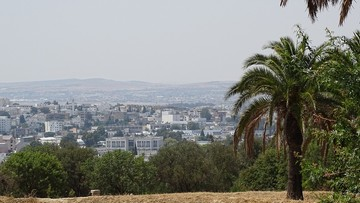 Prawie połowa młodych Tunezyjczyków chce wyemigrować z kraju