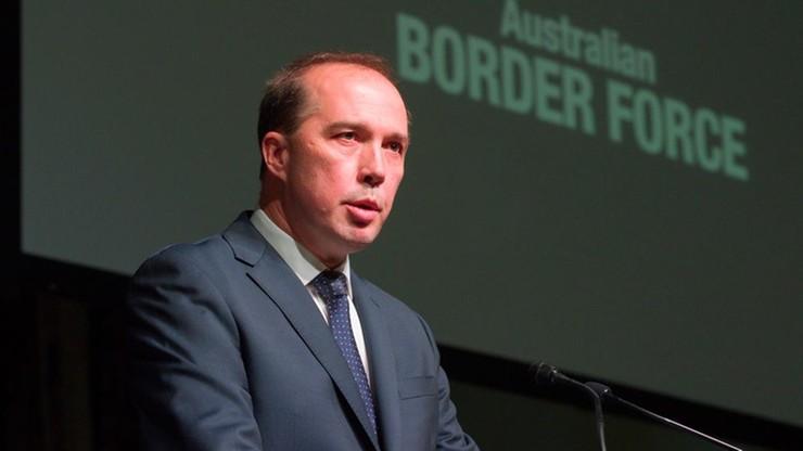 "Australijski minister ostrzega przed ""imigrantami-analfabetami"""