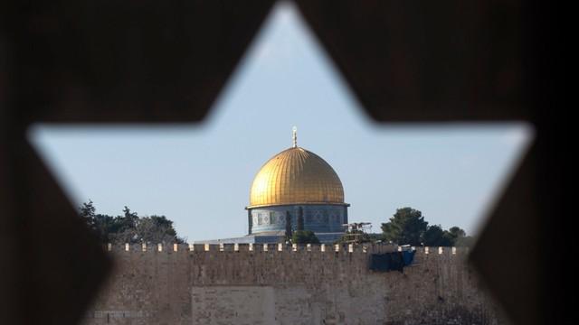 Parlament izraelski zalegalizował osiedla zbudowane na terytoriach palestyńskich