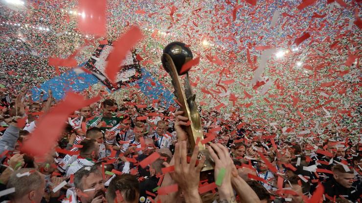 Rekordowe 2,69 mln kibiców na stadionach ekstraklasy
