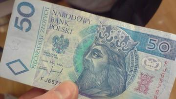 01-01-2016 22:39 Prawie trzy czwarte polskich firm zamierza zwiększyć pensje swoich pracowników w tym roku