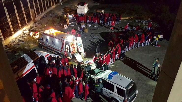 Maroko: setki migrantów próbowały przedrzeć się do Ceuty