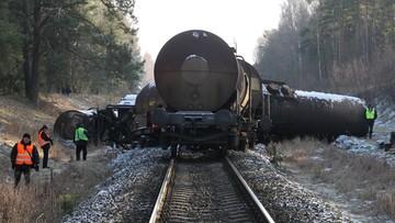 02-01-2016 12:44 Wykolejony pociąg na Mazurach. Z szyn wypadło osiem wagonów