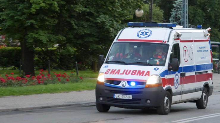 Niepełnosprawny chłopiec wypadł z okna z trzeciego piętra. Trwa walka o jego życie