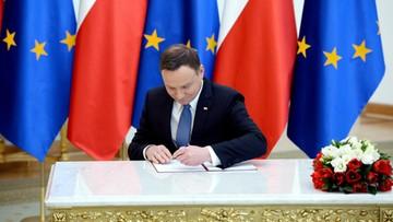 """17-02-2016 12:17 Prezydent podpisał ustawę wprowadzającą """"500+"""".  """"Krok w kierunku lepszej Polski"""""""