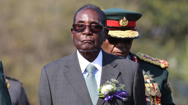 Zamach stanu w Zimbabwe. Źródło: prezydent Mugabe nie chce oddać władzy