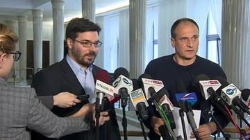 """2017-04-24 """"Jest w ciągu podpisywania. Może i to podpisze"""". Kukiz apeluje do prezydenta o referendum ws. reformy edukacji"""