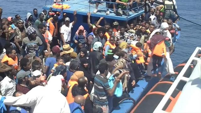 Włochy: 4 tysiące migrantów przybyły w ciągu dwóch dni drogą morską