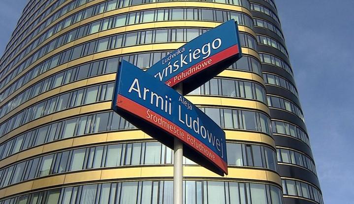 IPN: ponad 1,5 tys. ulic nosi nazwy związane z komunizmem