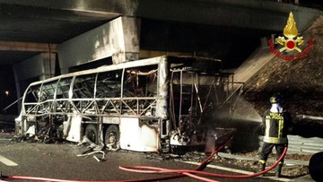 21-01-2017 19:03 Wypadek węgierskiego autobusu we Włoszech. 16 osób nie żyje, 13 jest ciężko rannych
