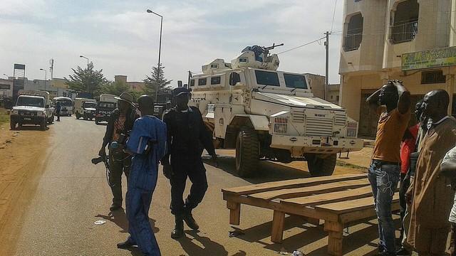 Trwają poszukiwania 3 osób zamieszanych w atak na hotel w Bamako